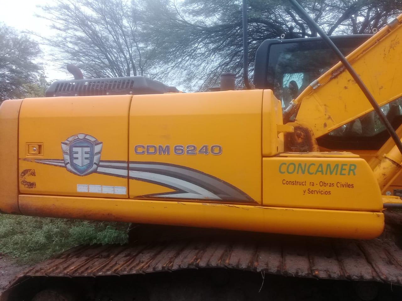 Excavadora CDM6240